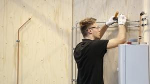 2021.12.04 - Breed geschoolde technicus klaart de klus