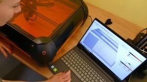 2020.21.10 - Volwassenen volgen thuis workshops 3D printen en lasercutten tijdens MaakMeeMaand - 01