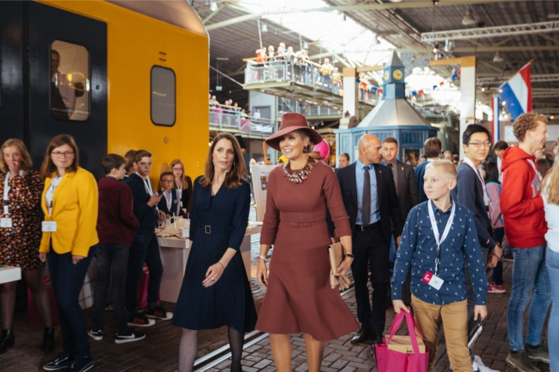 2020.02.10 - Koningin Máxima en Thea Koster bij SMA 2019